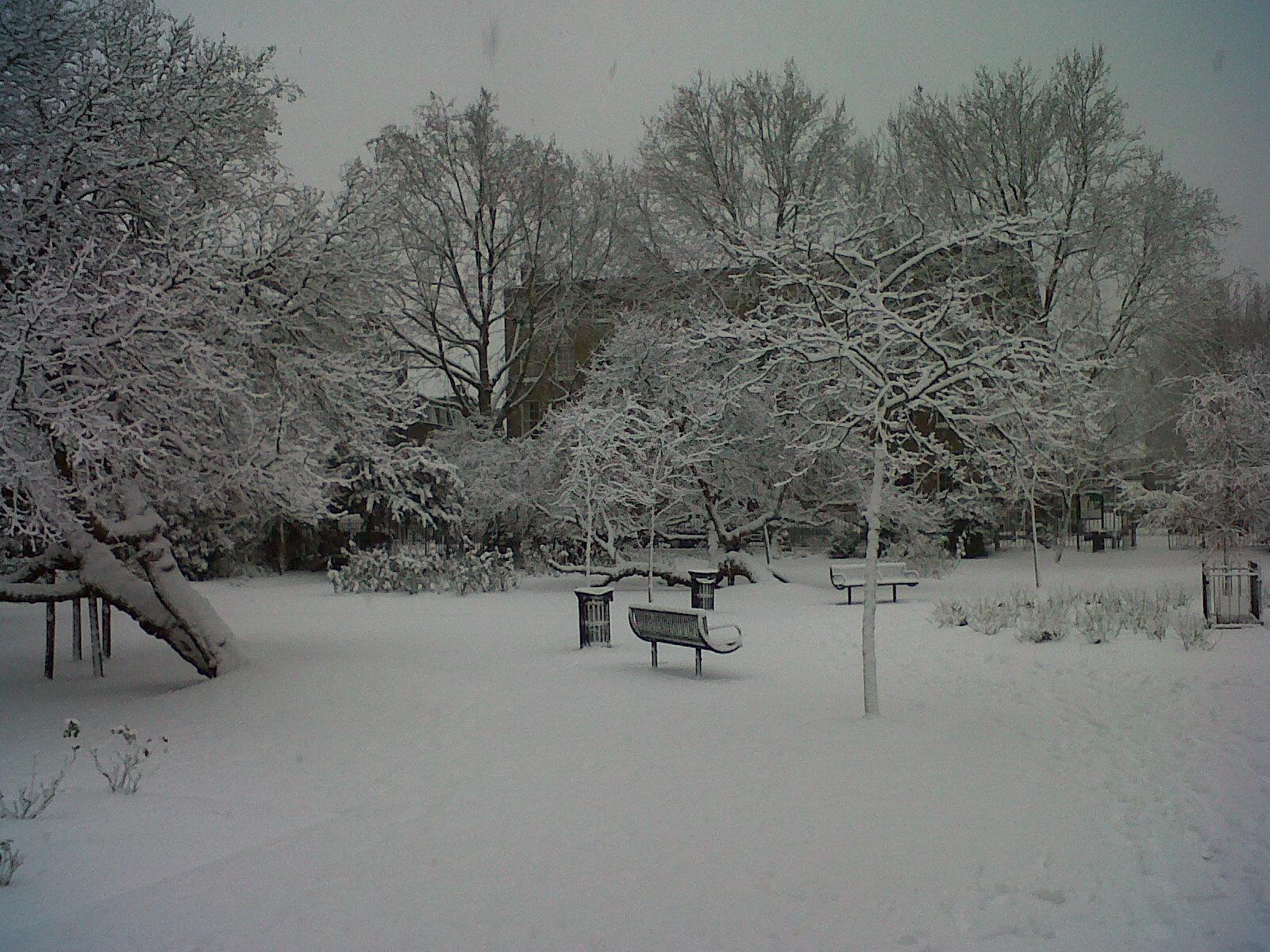 West Square in the snow again - Kenningtonrunoff.com