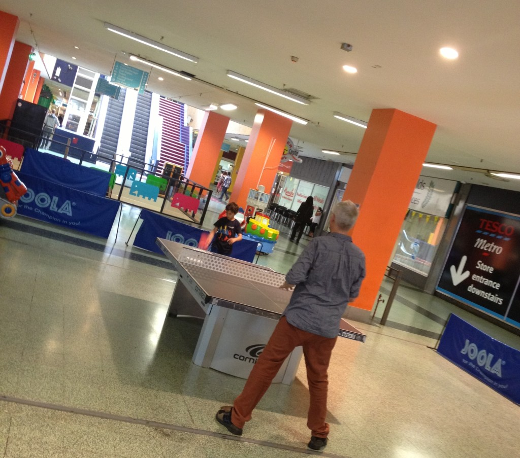 table tennis at Elephant & Castle shopping centre - kenningtonrunoff.com