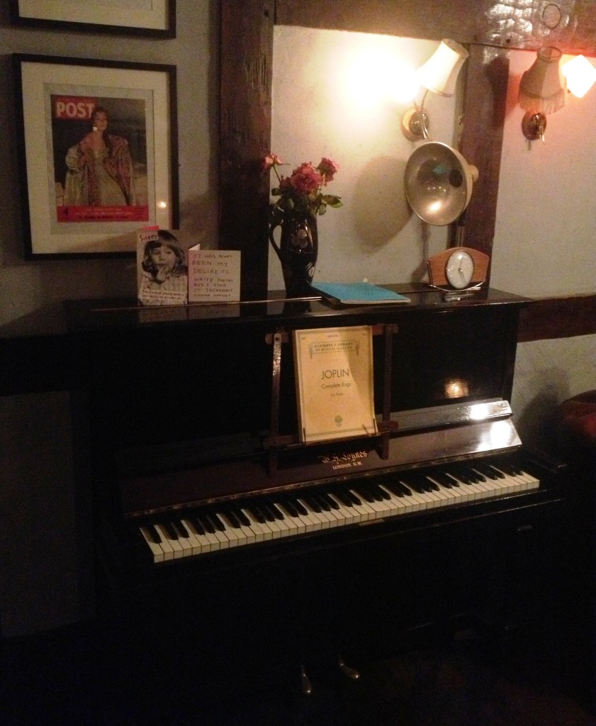 Old Red Lion piano - kenningtonrunoff.com