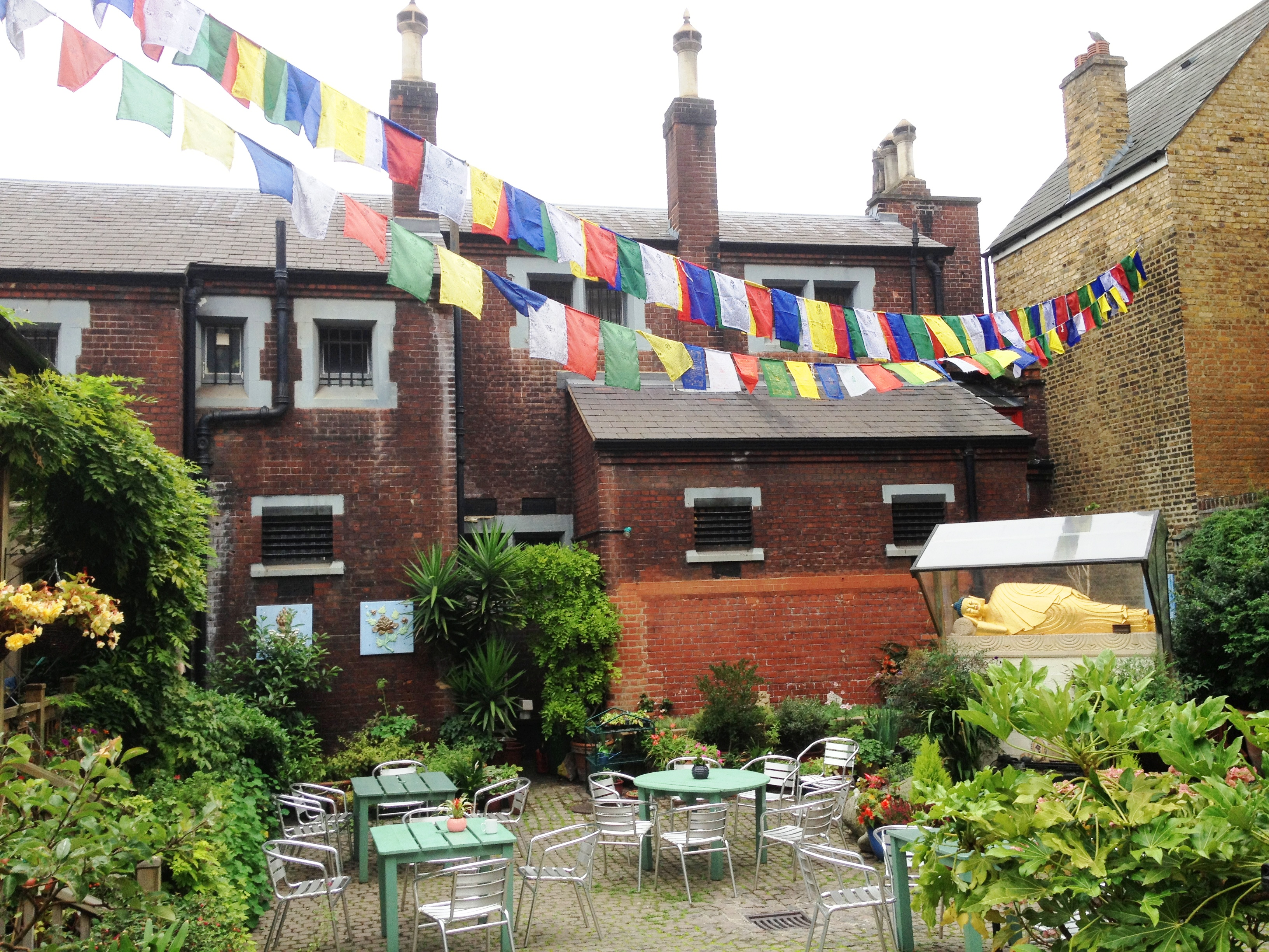 The Courtyard Cafe at Jamyang Buddhist Centre - kenningtonrunoff.com