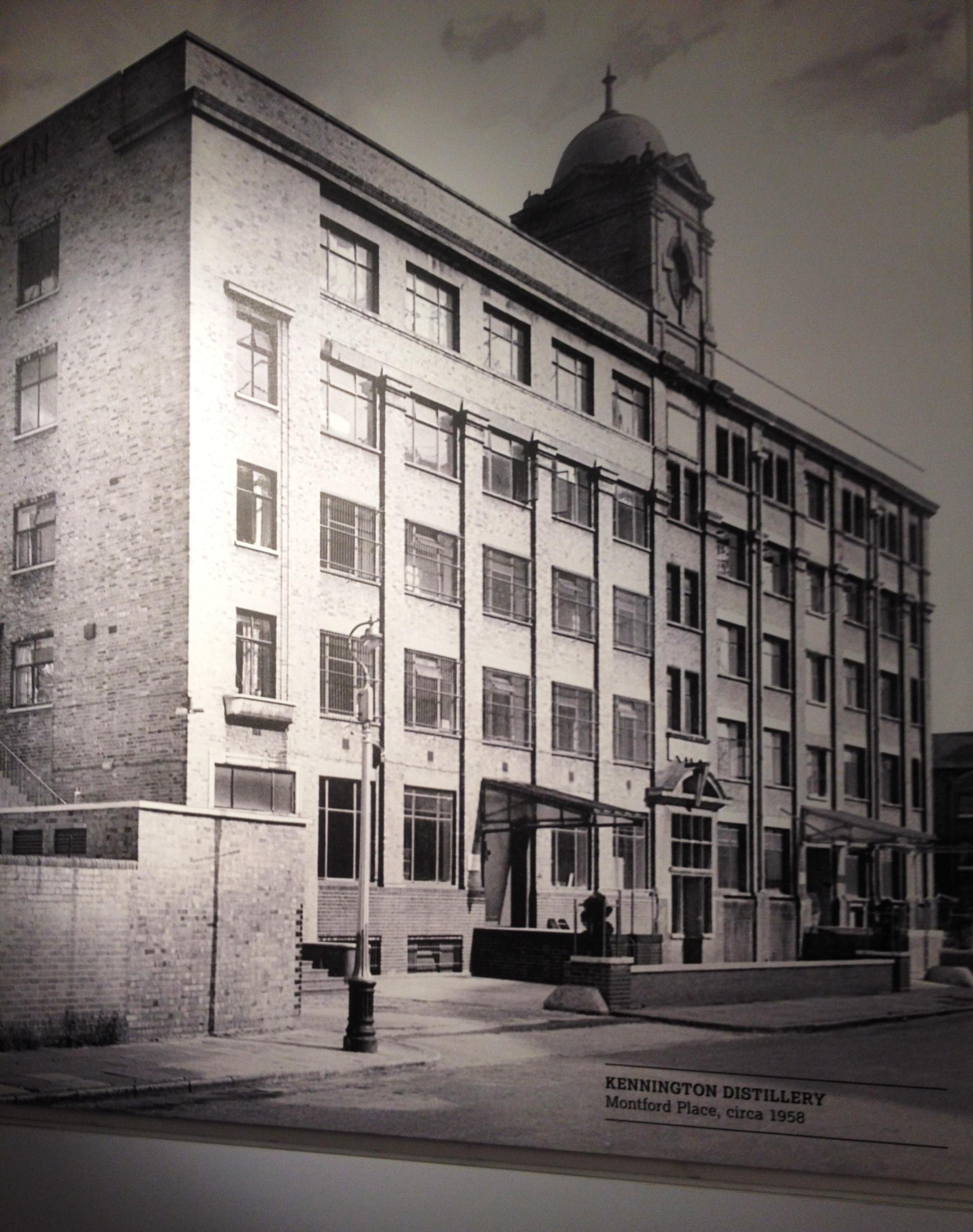 Beefeater gin distillery, 1958 - kenningtonrunoff.com