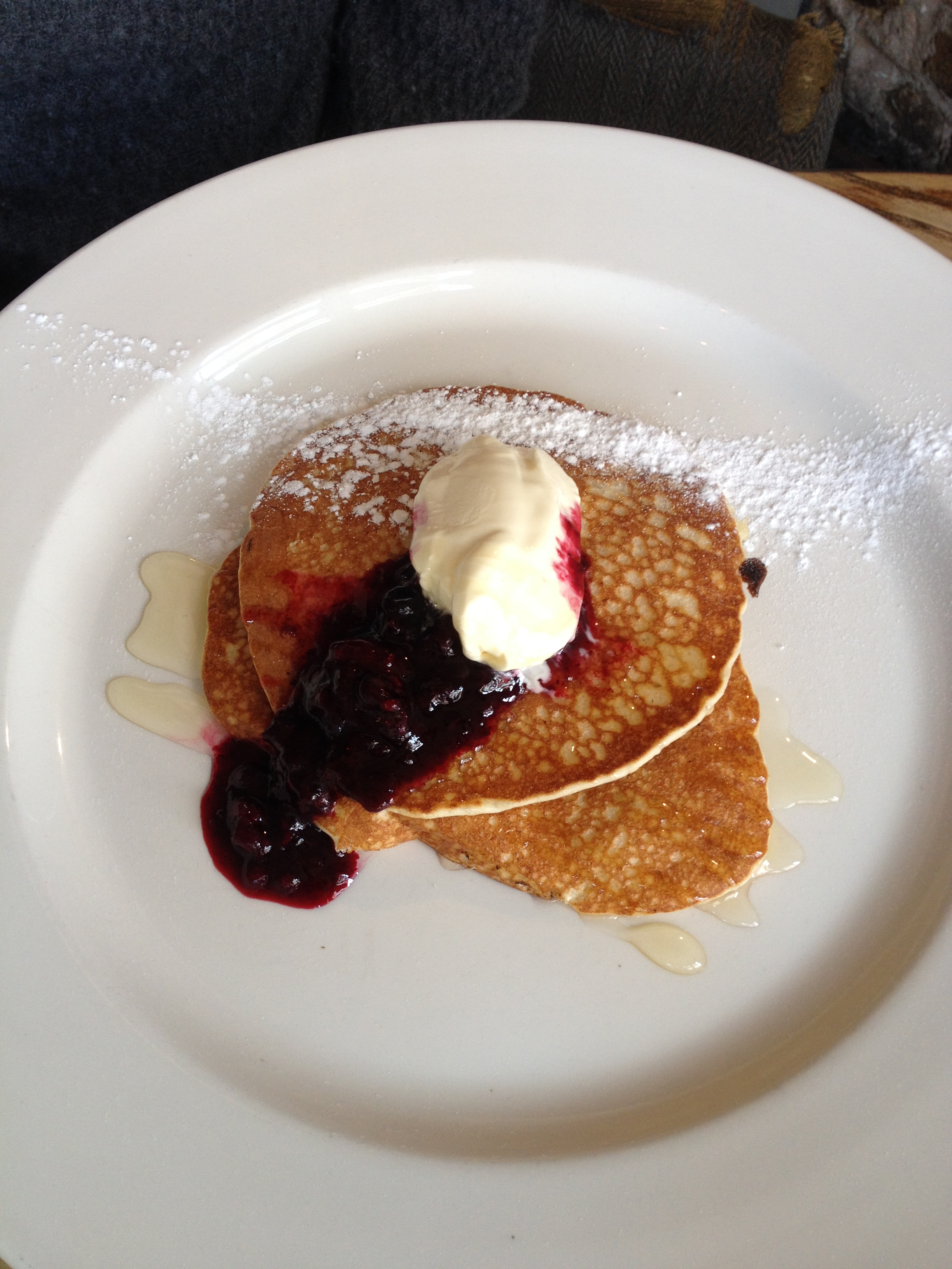 Buttermilk pancake, blueberry compote, mascarpone cream at the Tommyfield - kenningtonrunoff.om