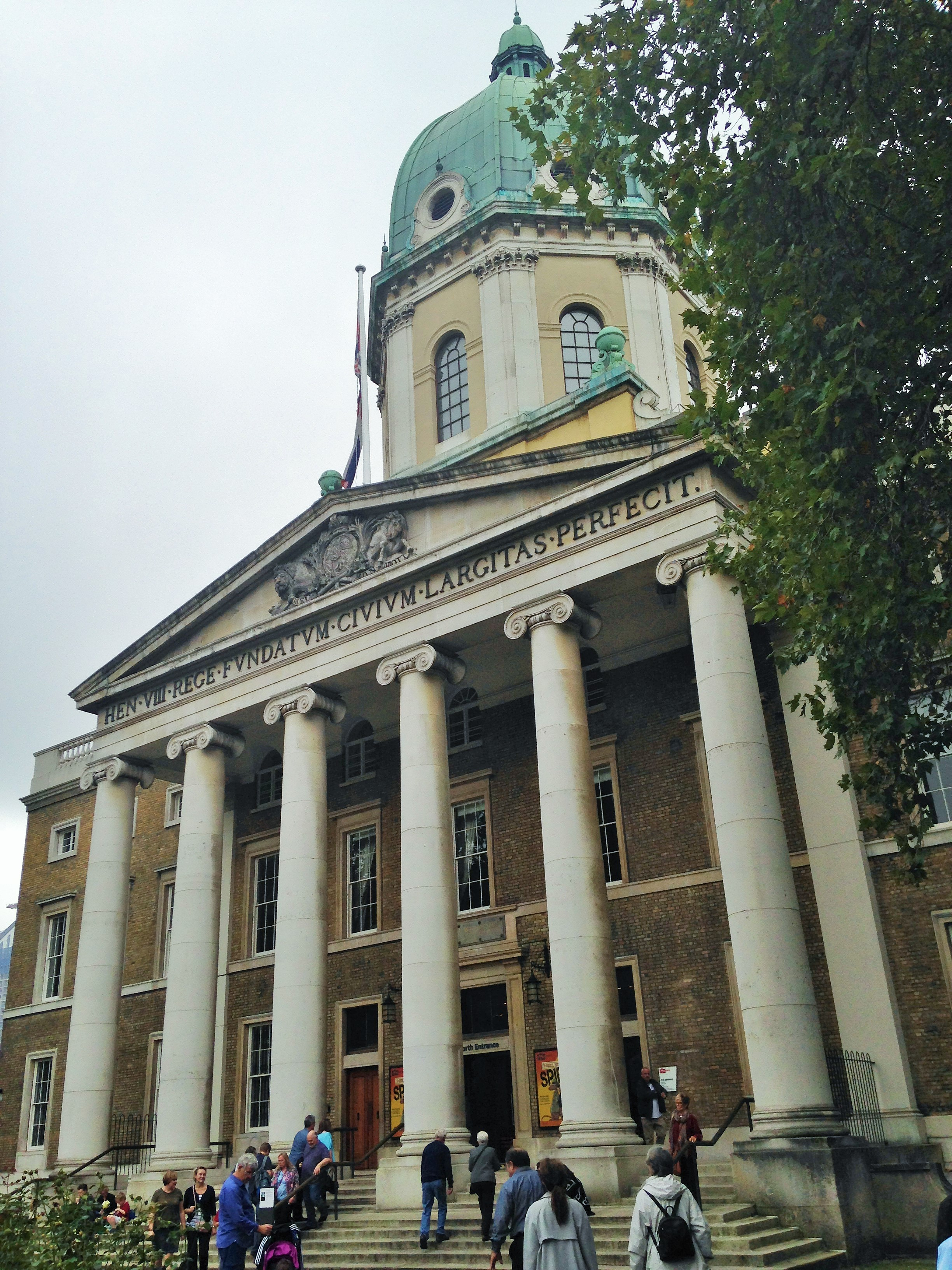 The Imperial War Museum entrance - kenningtonrunoff.com