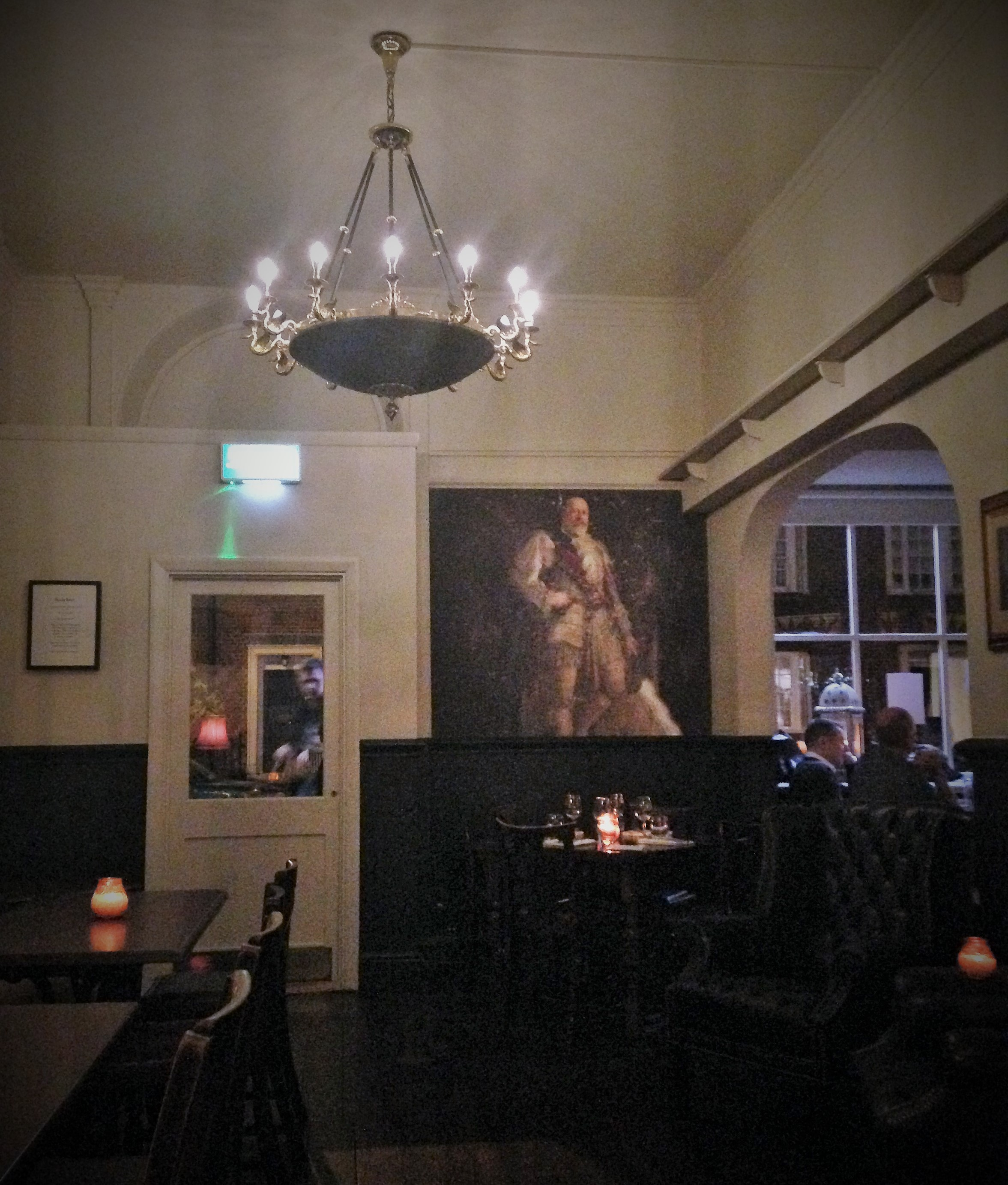 Duchy Arms interior - kenningtonrunoff.com