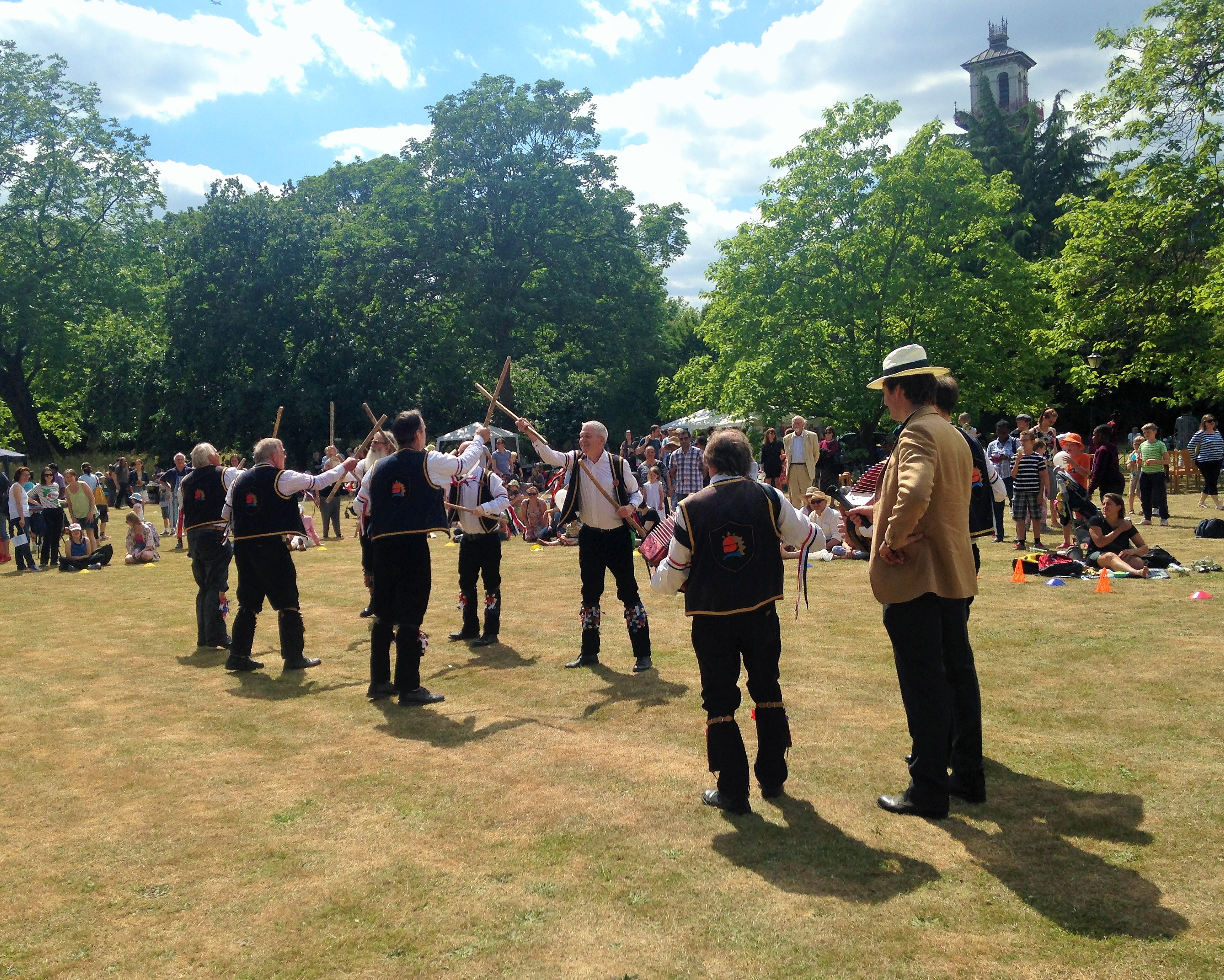 Morris dancers at North Lambeth Parish Fete - kenningtonrunoff.com