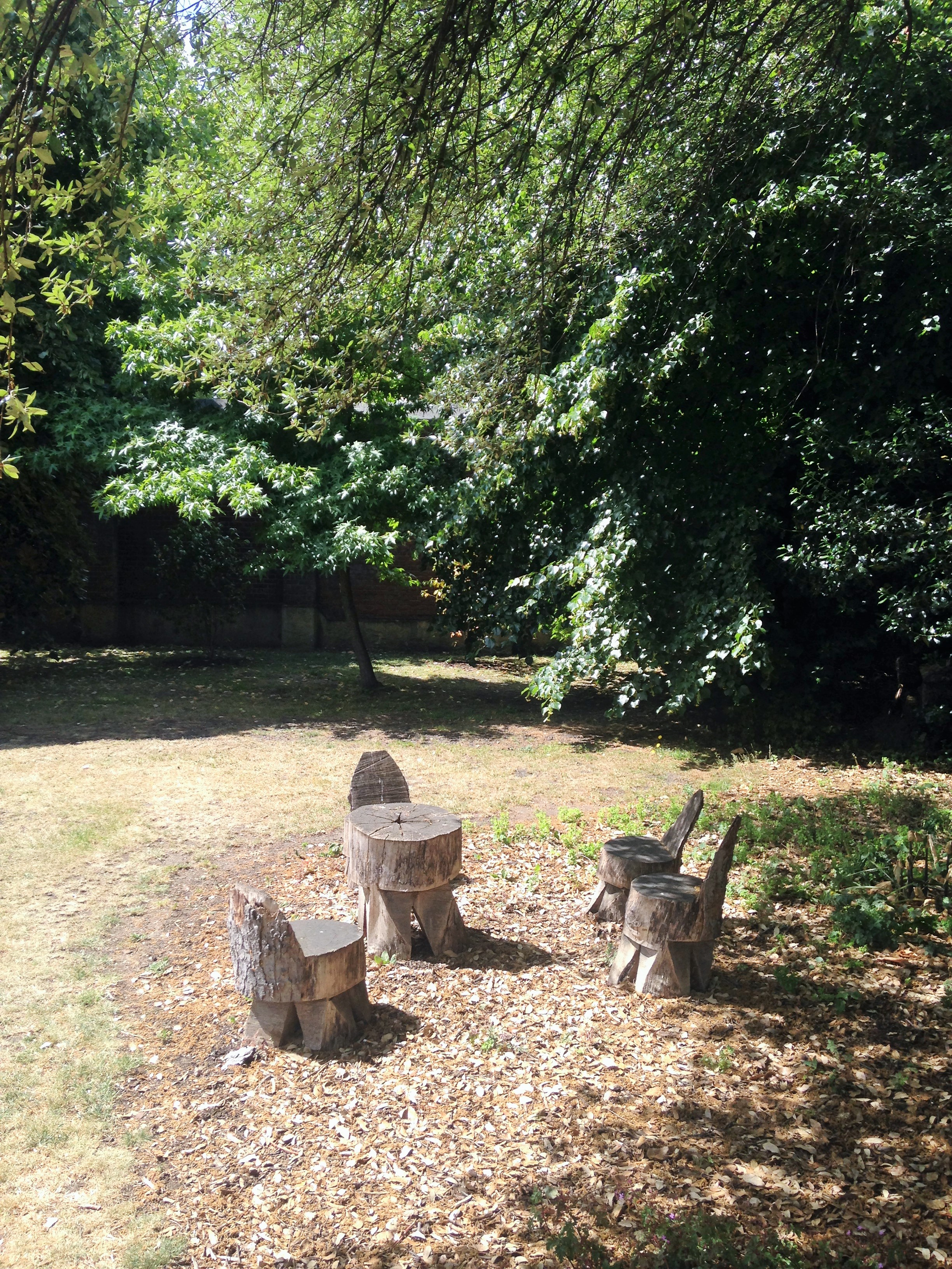 wooden chairs in Lambeth Palace Gardens - kenningtonrunoff.com