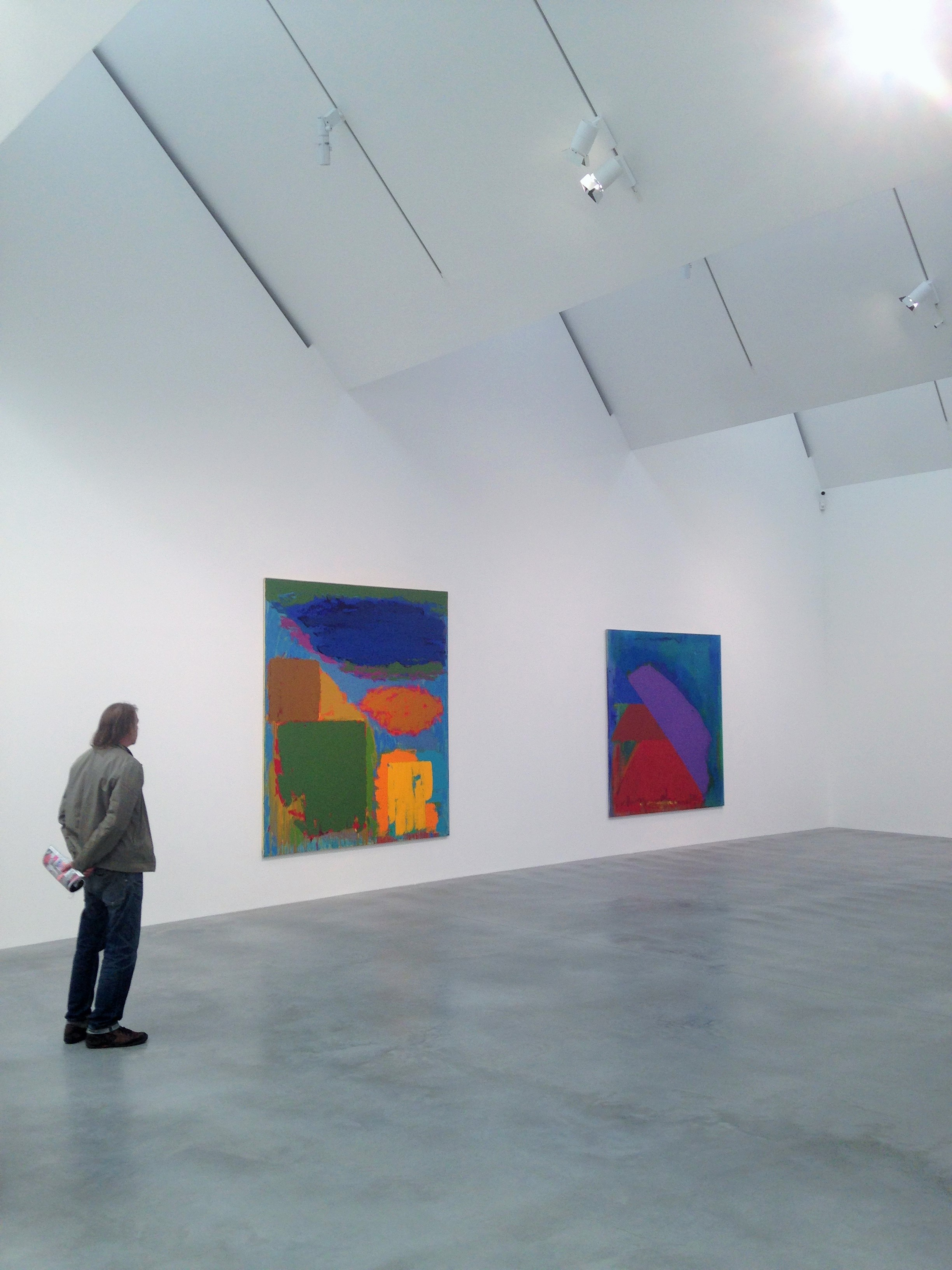 John Hoyland's Power Stations at Newport Street Gallery with sloping roof - kenningtonrunoff.om