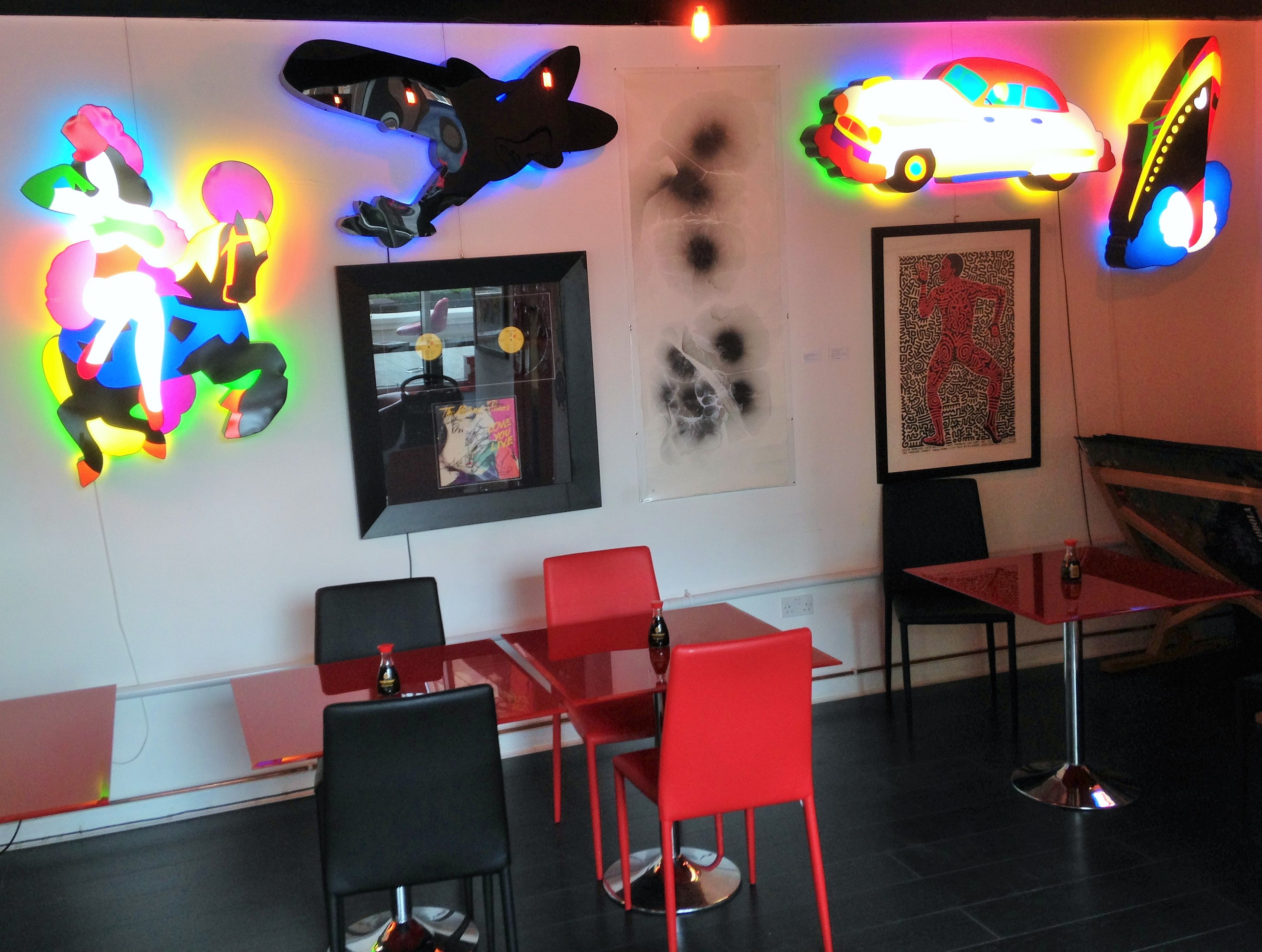 Pop Art Sushi interior - kenningtonrunoff.com