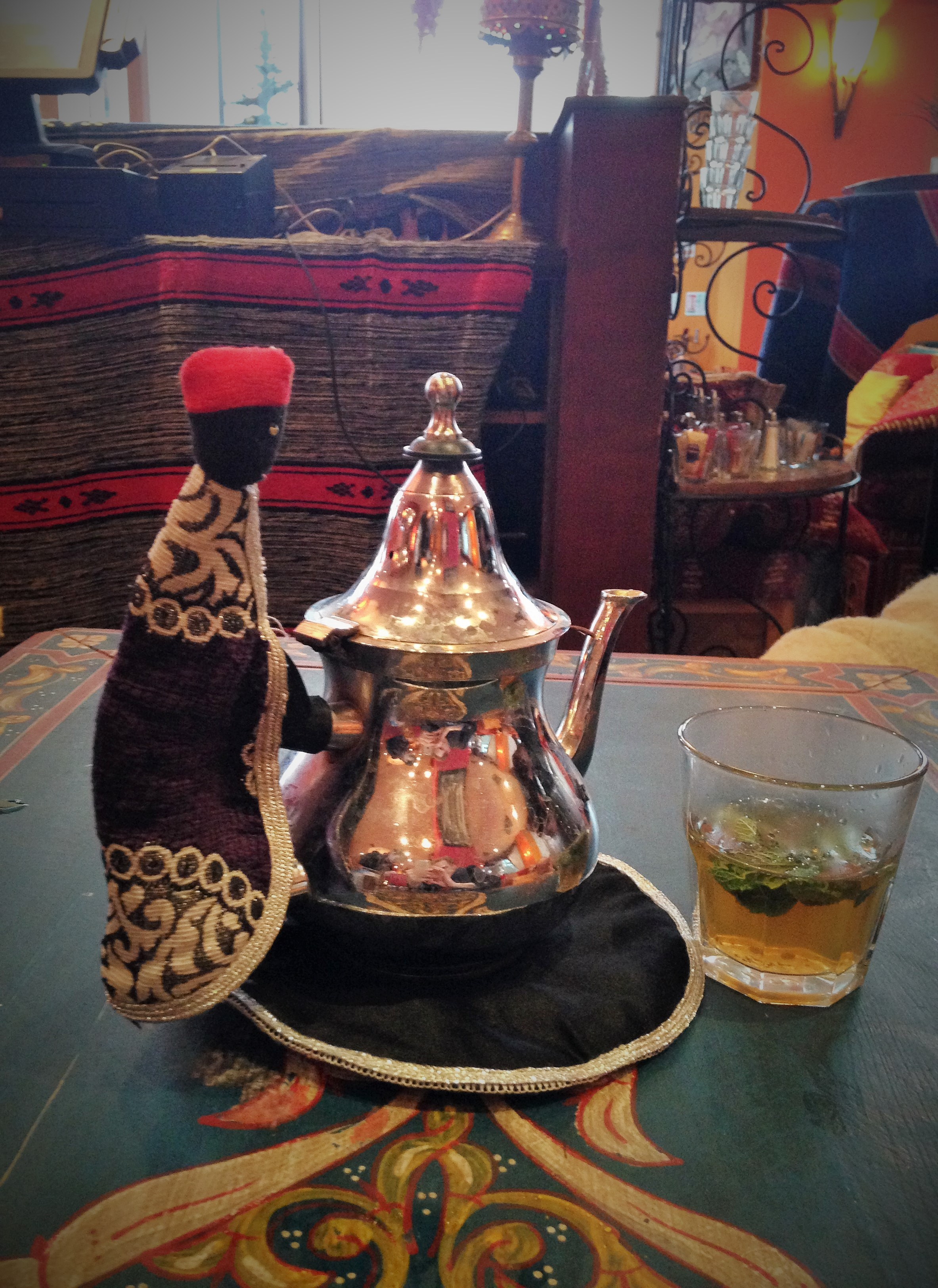fresh mint tea at Souk River Lounge - kenningtonrunoff.com